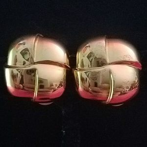 NWOT ST. JOHN signed gold clip on earrings